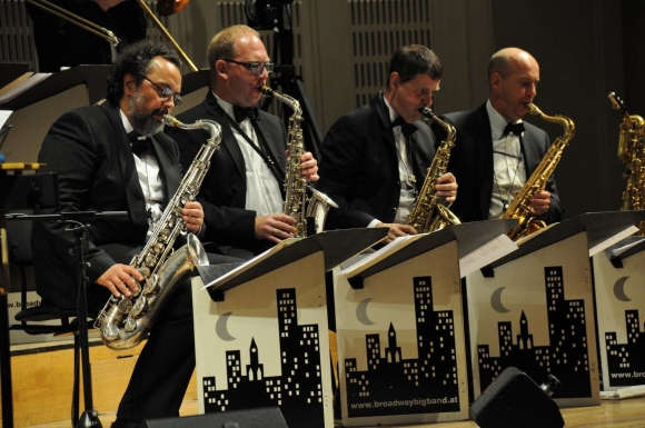 gerhard aflenzer broadway big band bei swing gala in wien. Black Bedroom Furniture Sets. Home Design Ideas